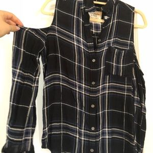 Abercrombie & Fitch Tops - A&F Plaid Cold Shoulder Top